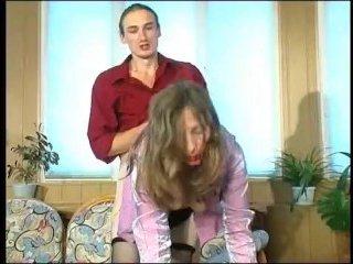 Озабоченный сын ебет маму с волосатой пиздой до оргазма