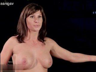 Порно зрелых: изысканный бондаж толстухи с двойным фистингом