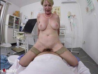 Бабушка от первого лица трахается с доктором