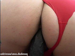 Толстая рыжая пизда трахает себя искусственным членом