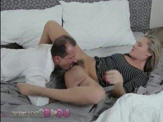 Секс молодой блондинки в чулках со своим строгим директором
