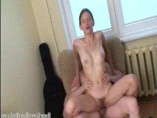 Ошеломительный секс с красивой стройной шатенкой