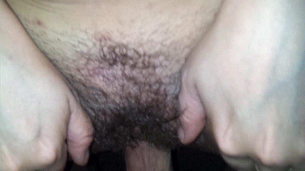 Женщина маленькая сосет большой член мужчины статного